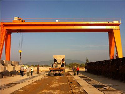 基础建设工程起重机行业应用